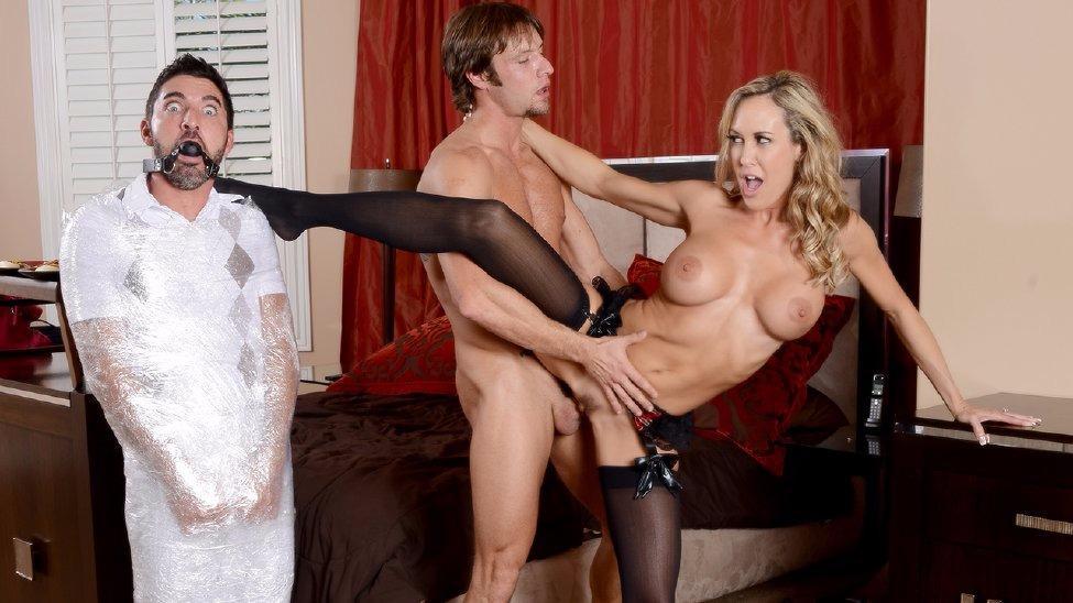 Секс домохозяйки изменяют мужу — pic 1